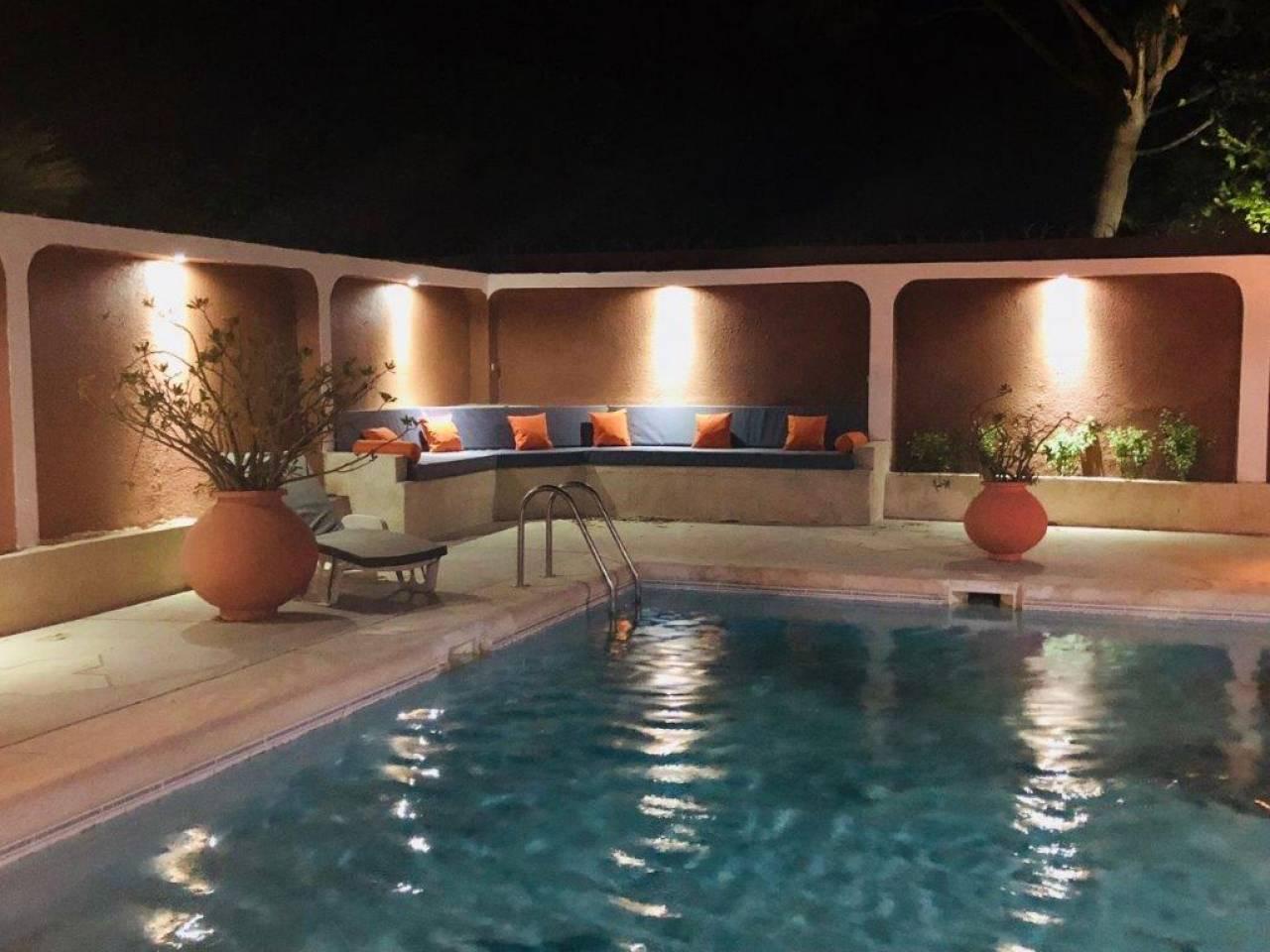En résidence, villa à louer à l'année, en bord de mer